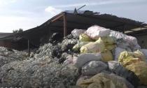 3千吨医疗垃圾被卖 部分做成餐具玩具