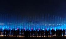 凤栖湖音乐喷泉流光溢彩