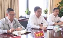 敖煜新为县政府办党支部上主题教育专题党课