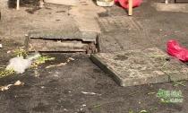 文明创建进行时 阜溪街道三桥社区某商铺地下污水管长期堵塞