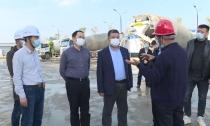 县人大常委会集体视察交通建设项目