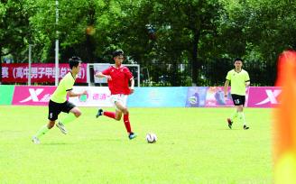 校园足球联赛 一中轻取对手